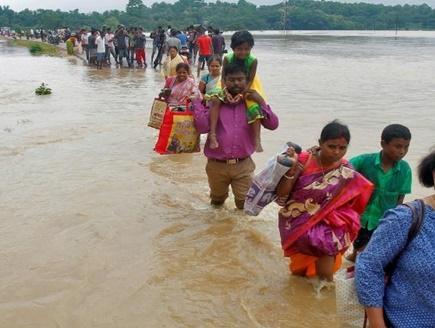 बिहार के 13 जिले बाढ़ की चपेट में आ गए